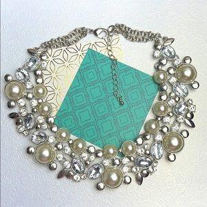 ⚜️Je ❤️Vintage ⚜️ pearl rhinestone necklace